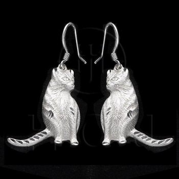 Silver Plain Dangle Earrings Cat (ESD214)