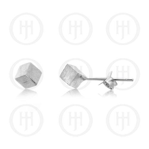 Plain Satin Cube Studs (ST-1171)