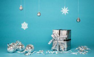 holiday-themed jewellery
